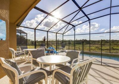 The covered lanai & alfresco dining area at Villa Carter, Aviana Resort, Davenport, Florida